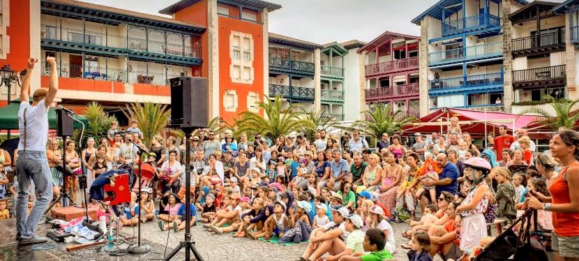 «La Symphonie de la Valise 1 ~ Le Blues de la Girafe» : Spectacle Jeune Public etFamilial